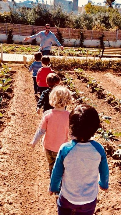 Εκπαίδευση για τον σπόρο και τα χειμερινά λαχανικά σε νηπιαγωγείο στο κτήμα Αρίστη στο Χαλάνδρι